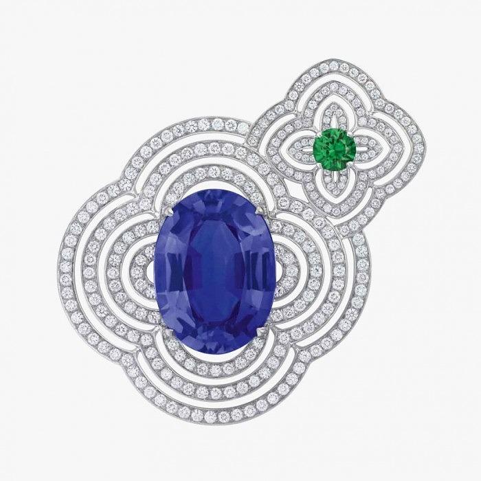 Брошь от Louis Vuitton