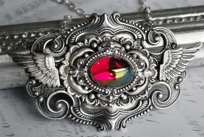Серебряное колье от VaeNoxx (vaenoxx.deviantart.com)