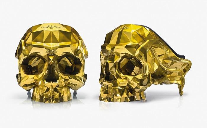 Кресло-череп из золота