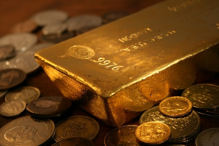 Золотые слитки и монеты можно использовать для вложения денег, однако доход будет крайне небольшим