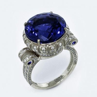 Кольцо «Протея» с танзанитом, бриллиантами и сапфирами, автор Денис Копосов