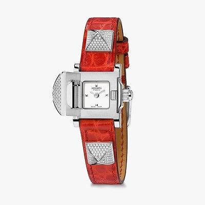 Часы Hermès Médor с ремешком из кожи аллигатора с бриллиантовым паве