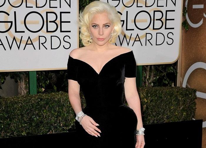 Леди Гага в бриллиантовых украшениях от Neil Lane