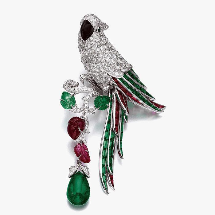 Брошь-попугай от Cartier