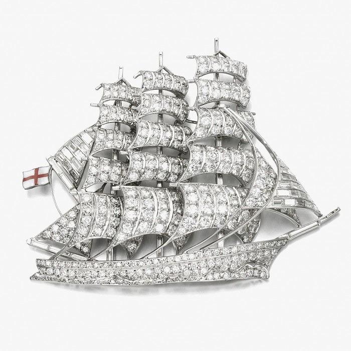 Брошь-корабль, инкрустированная бриллиантами. Приблизительно 1950-е годы