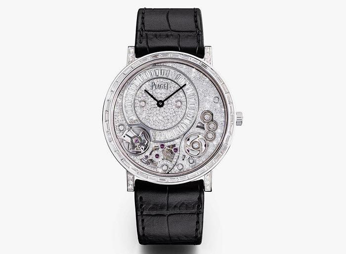 Часы Altiplano 900D от Piaget инкрустированы 304 бриллиантами
