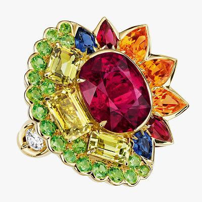 Кольцо из коллекции Granville с рубеллитом в центре и разноцветными драгоценными камнями