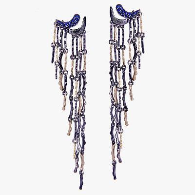 Длинные серьги Thoughtfalls из крошечных золотых и серебряных палочек с сапфирами от Gaelle Khouri