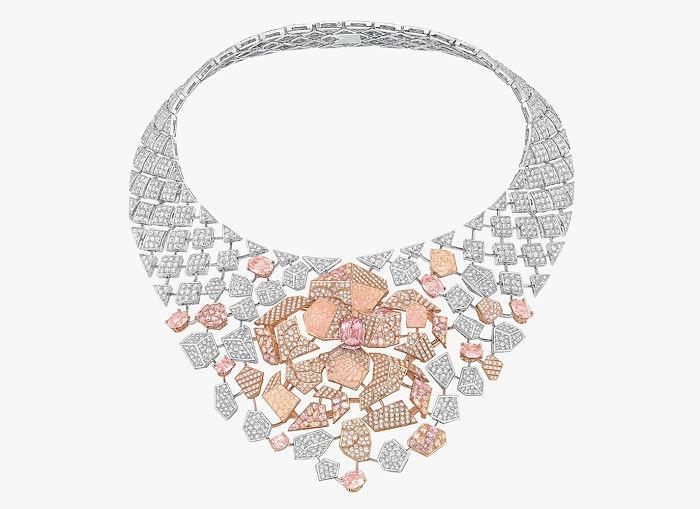 Колье Sunset из коллекции Café Society от Chanel: бриллианты и сапфиры падпараджа