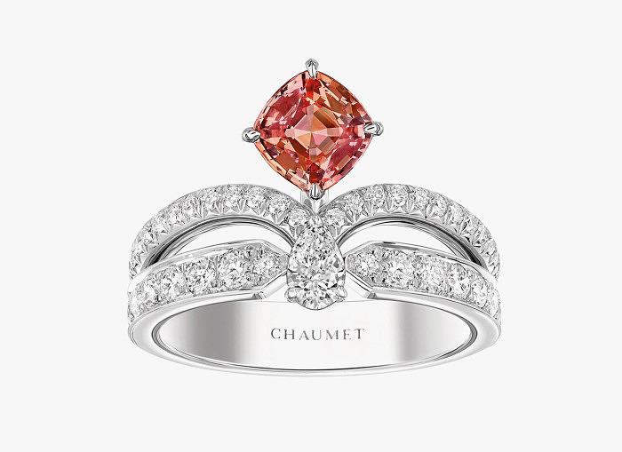 Кольцо с бриллиантами и сапфиром падпараджа из коллекции Josephine от Chaumet