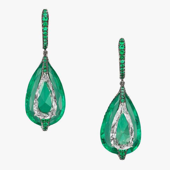 Серьги с изумрудами и бриллиантами от Boghossian