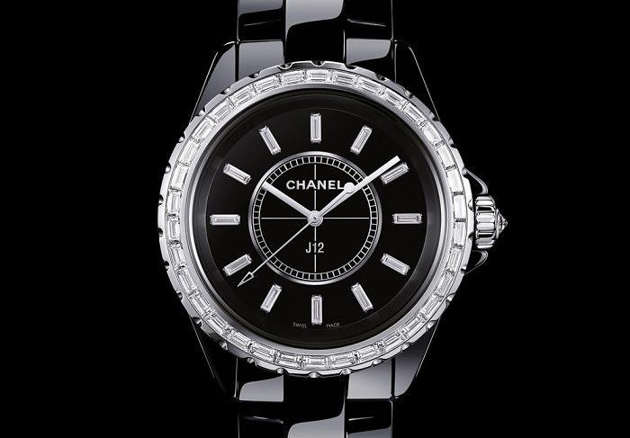 Керамические часы с бриллиантами J12 от Chanel