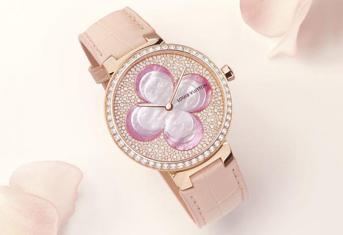 Часы Blossom из розового золота от Louis Vuitton