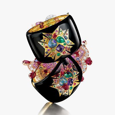 Браслеты Verdura, покрытые черной эмалью и инкрустированные драгоценными и полудрагоценными камнями