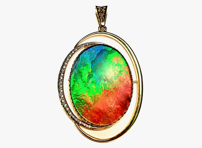 Кулон с аммолитом и бриллиантами от Alaska Jewelry
