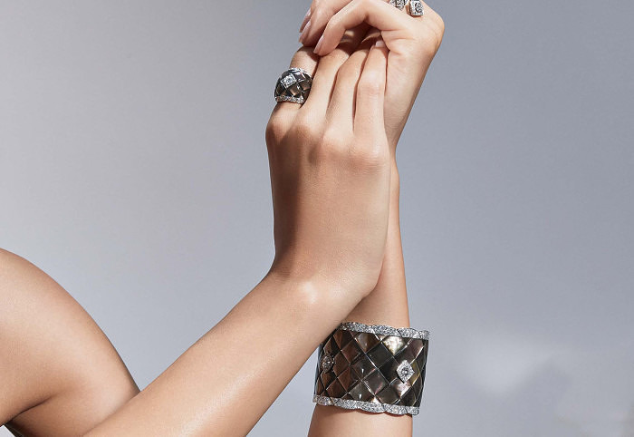 Браслет и кольцо Signature de Nacre с перламутром и бриллиантами
