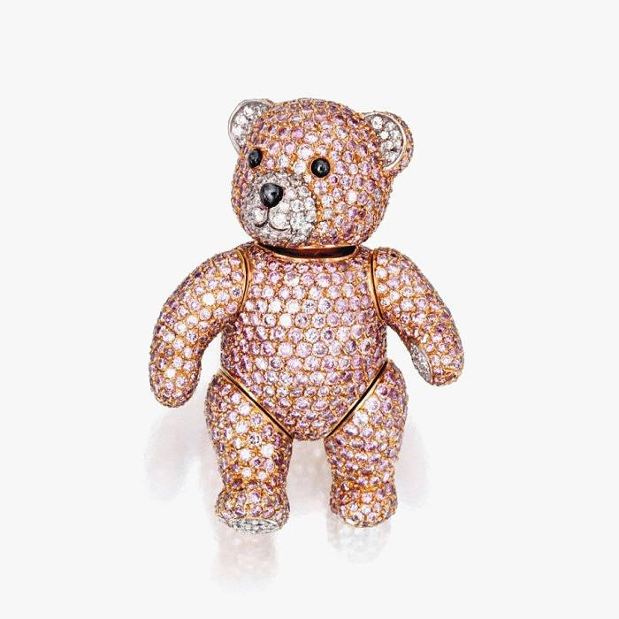 Брошь в виде трогательного медвежонка от Graff