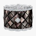 Знаменитый стеганый узор в коллекции Signature de Chanel