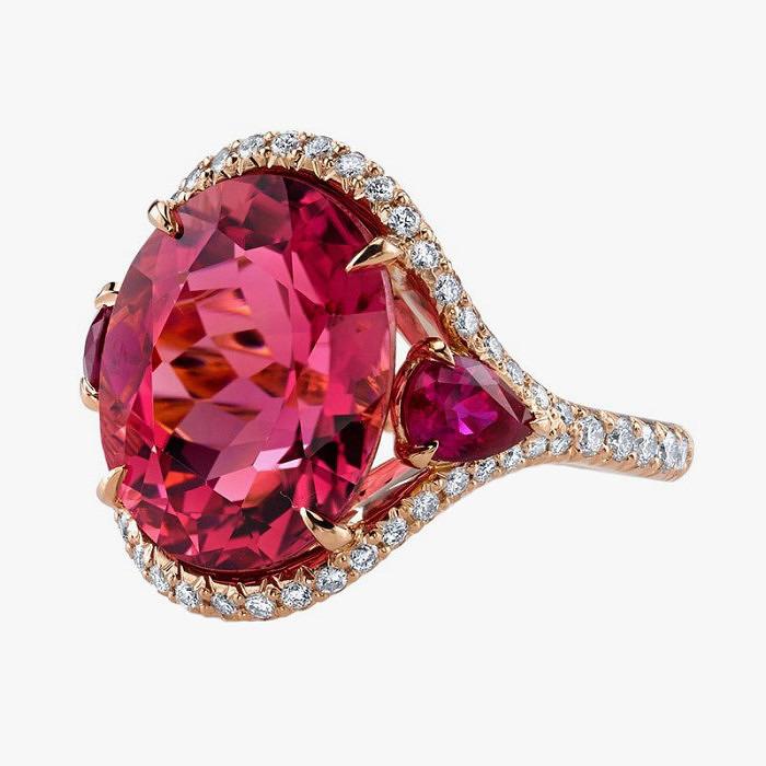 Коктейльное кольцо с розовым турмалином от Omi Prive