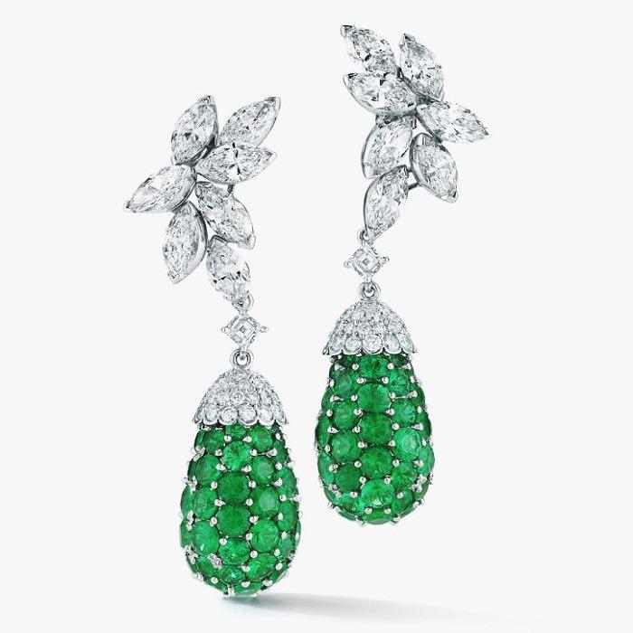 Cерьги с изумрудами и бриллиантами от Oscar Heyman