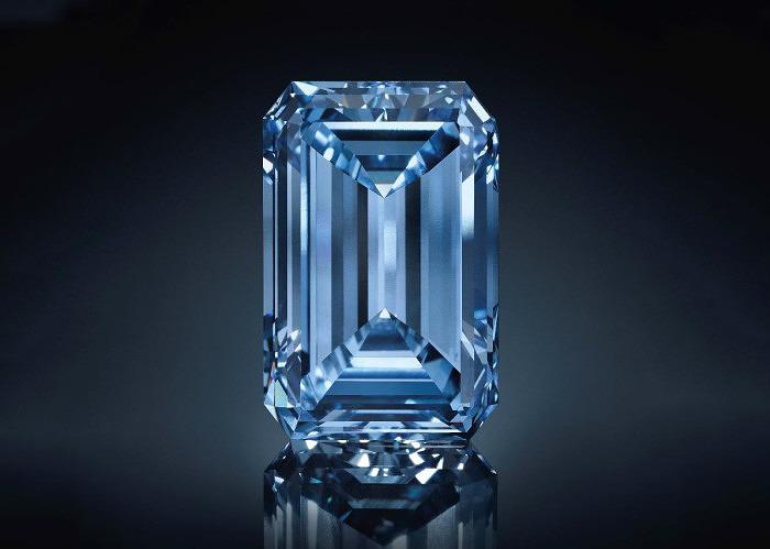 Бриллиант Oppenheimer Blue весом 14,62 карата