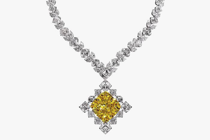 Колье с желтым и бесцветными бриллиантами от Jacob & Co.