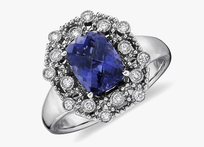 Кольцо с иолитом от Blue Nile