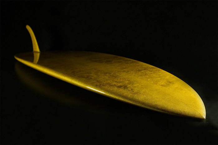 Позолоченная доска для серфинга Aureus от LUX Surfboards