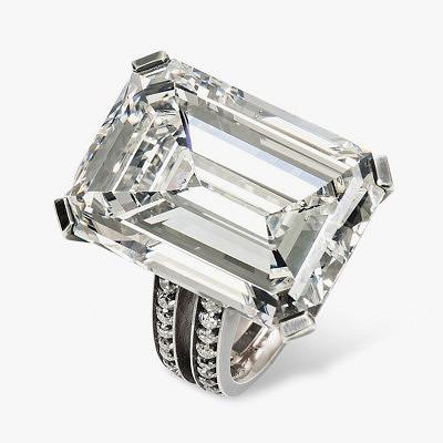 Кольцо Hemmerle из белого золота с бриллиантами