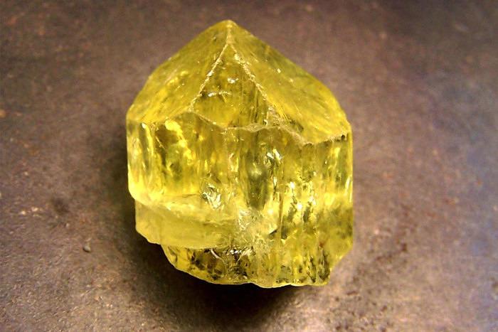 Желтый апатит