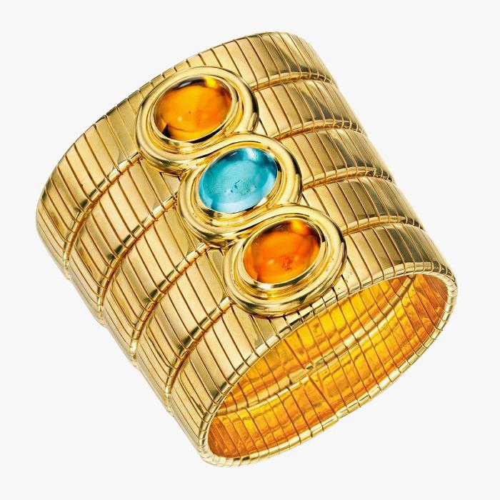Браслет из золота с разноцветными камнями