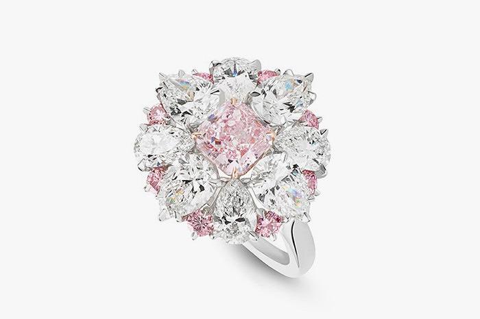 Кольцо с розовым бриллиантом весом 1,07 карата от Asprey