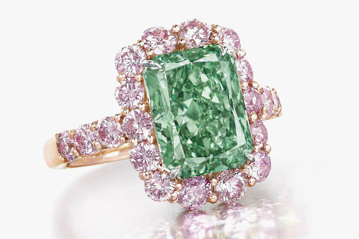 Кольцо с зеленым бриллиантом Aurora Green