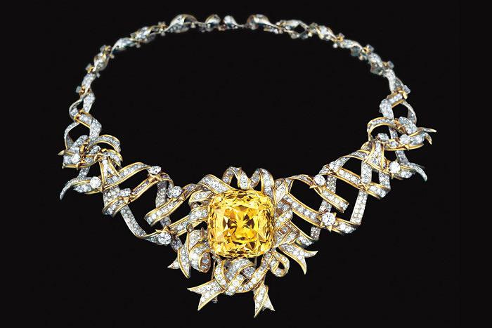 Колье из драгоценных лент с желтым бриллиантом Tiffany Diamond, созданное Жаном Шлюмберже