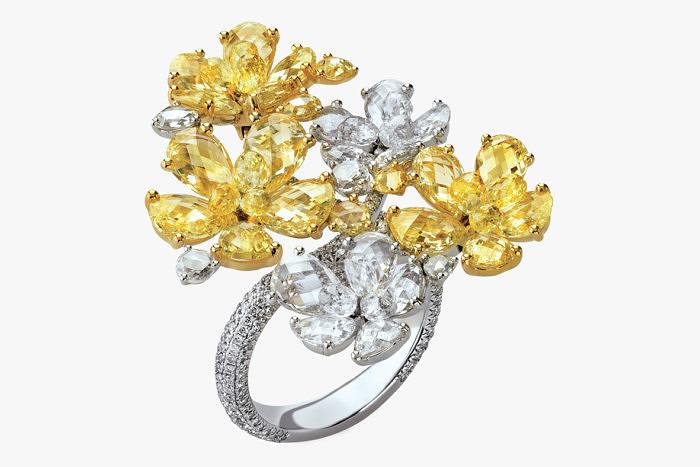 Кольцо с бесцветными и ярко-желтыми бриллиантами от Nirav Modi