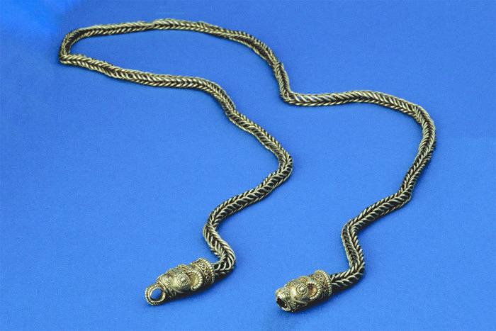 Золотая цепь, найденная 1911 году на территории Ютландии. Фото: Arnold Mikkelsen, National Museum
