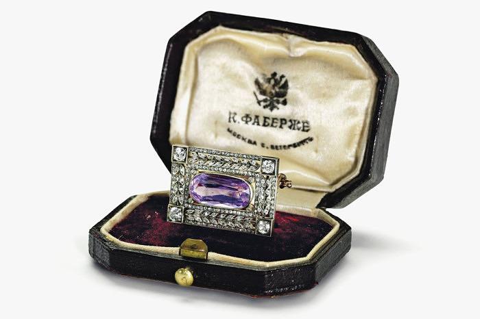 Брошь Faberge с аметистом и бриллиантами, 1900 год. Продана за 30 тысяч долларов