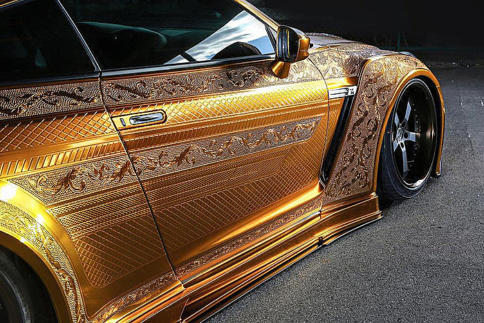 Kuhl Nissan R35 GT-R gold plated side
