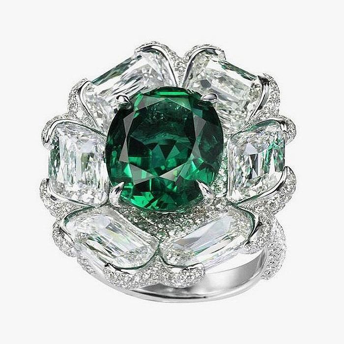 Кольцо от Boghossian с изумрудом и бриллиантами