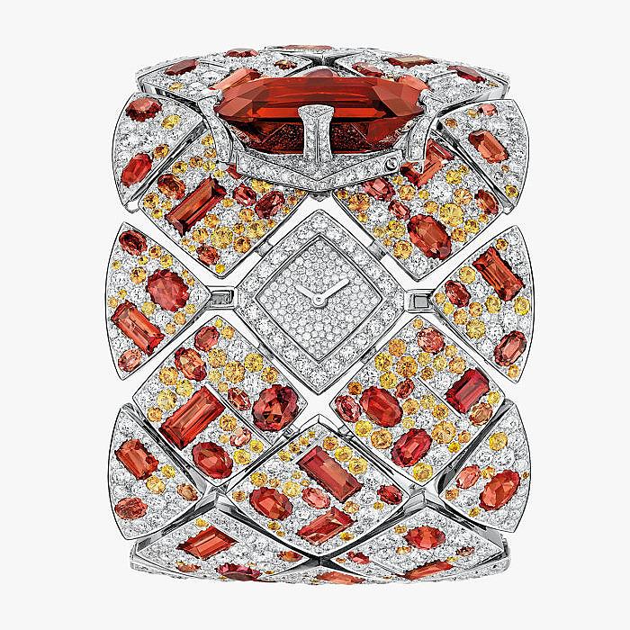 Часы Chanel с гранатами, желтыми сапфирами и бриллиантами