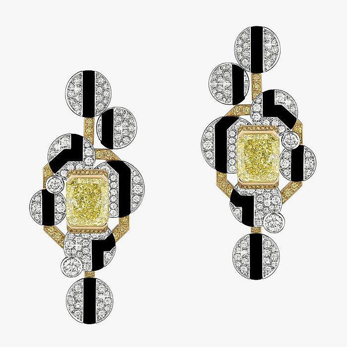 Серьги Chanel c желтыми и бесцветными бриллиантами