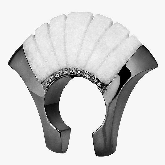 Монохромное кольцо Ioanna Souflia с мрамором