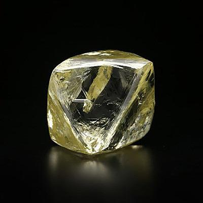 Алмаз АЛРОСА весом 91,99 карата