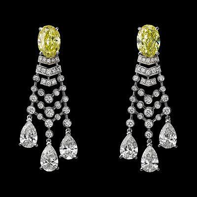 Серьги с бриллиантами из линейки «Магия рисунка», коллекция Magicien