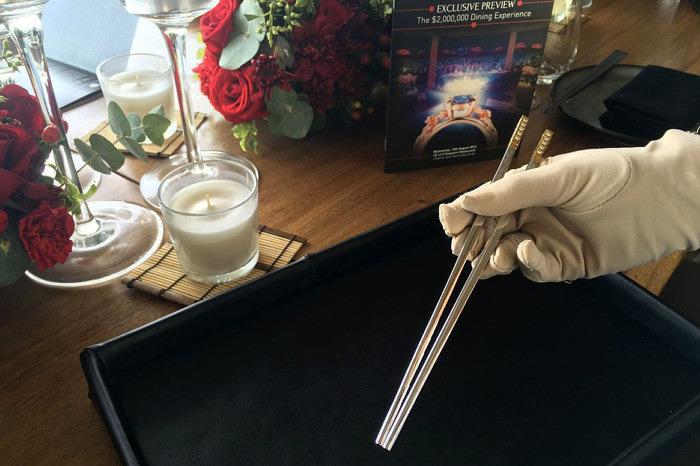 Позолоченные палочки для еды с бриллиантами