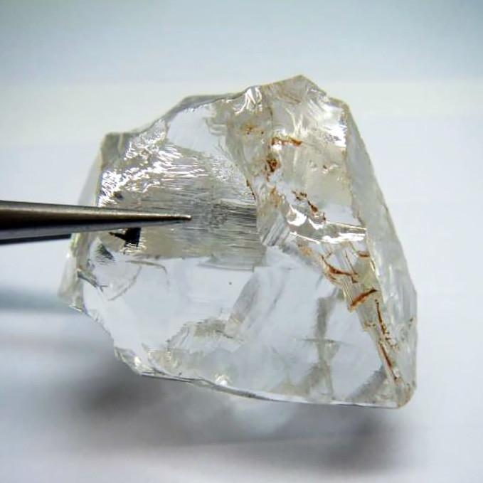 Алмаз Lucapa Diamond весом 172,6 карата