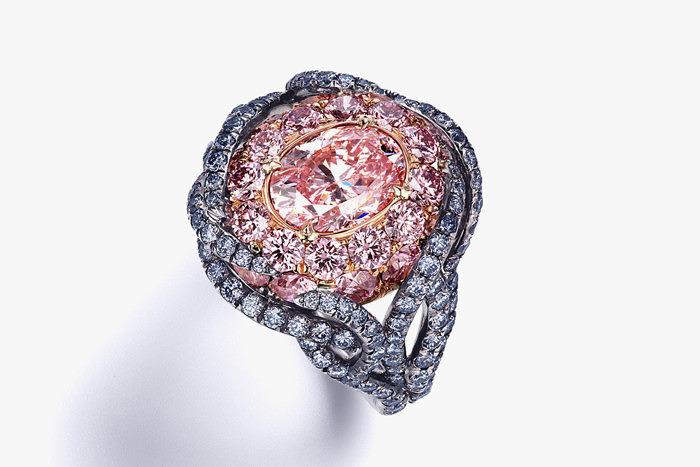 Кольцо Divine Lotus с розовыми и голубыми бриллиантами