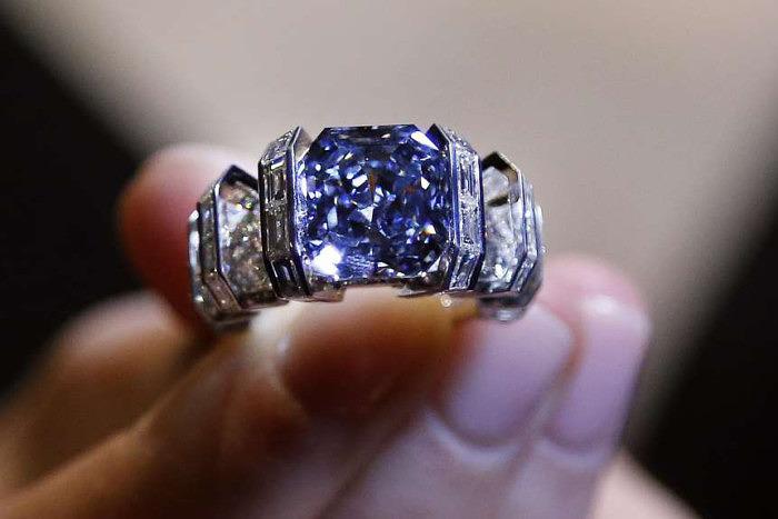 Кольцо для бриллианта Sky Blue Diamond было создано мастерами Cartier