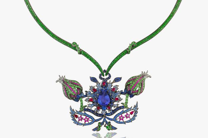 Колье от Lydia Courteille из коллекции Topkapi: сапфиры, цавориты, рубины, бриллианты и великолепный танзанит в центре