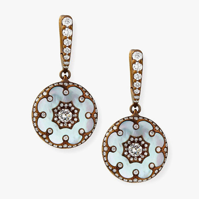Серьги с перламутром и бриллиантами от Arunashi